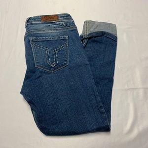 Vigoss Size 25 Medium Wash Capri Jeans